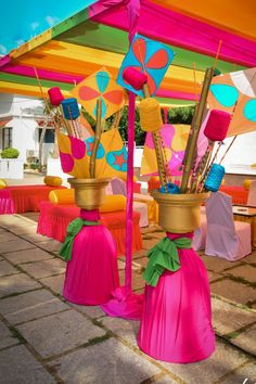 Spring Theme for Mehendi Celebrations Will Never Get Old! Desi Wedding Decor, Indian Wedding Decorations, Wedding Stage, Wedding Ideas, Tent Wedding, Wedding Inspiration, Wedding Mandap, Quirky Wedding, Stage Decorations