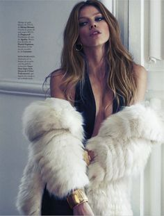 Tres En Lujo: Masha Novoselova By Xavi Gordo For Elle Spain January 2013