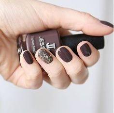Fall nail art by @maniblog_pl (ig) featuring #SnakePit. Use this color and #TouchIt from our Effects Collection to get this look. #fallcollection #intothewild #naildesign #nailart