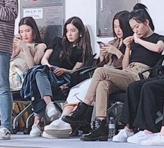 Find images and videos about red velvet, joy and irene on We Heart It - the app to get lost in what you love. Red Velvet Joy, Red Velvet Seulgi, Red Velvet Irene, Black Velvet, Kpop Girl Groups, Kpop Girls, My Girl, Cool Girl, Thing 1