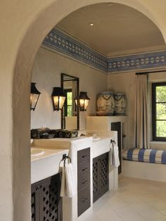 Mediterranean European Home Decor. Nice contrasts.