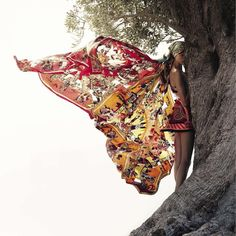 Hermes SS 2012 - what a beautiful butterfly effect with those patterns, love :)
