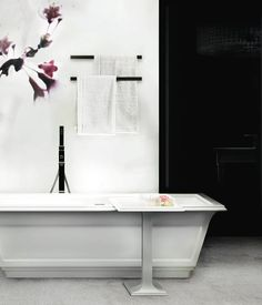 Eleganza bañera exenta con griferia a juego.  Www.gessi.com