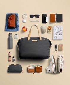 Travel Flatlay, Travel Bags, New Technology Gadgets, Bag Display, Mens Fashion Wear, Cool Gadgets To Buy, Mens Gear, What's In Your Bag, Designer Backpacks