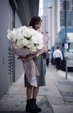 mega size - different price Big Bouquet Of Flowers, Flower Bouqet, Birth Flowers, Blooming Flowers, Pretty Flowers, Silk Flowers, Paper Flowers, Beautiful Flowers Pictures, Beautiful Flower Arrangements
