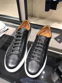 Black Sneakers Outfit, Addidas Sneakers, Best Sneakers, Casual Sneakers, Leather Sneakers, Casual Shoes, Hugo Boss Men, Hugo Boss Shoes, Boss Man