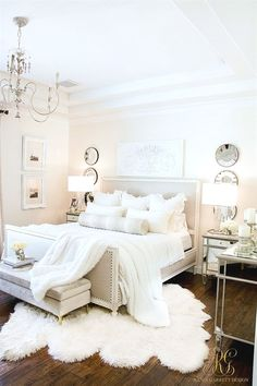 Modern Traditional Home Decor Master Bedroom Styled 3 Ways for Summer - Tips for Decorating Neutral Bedrooms.Modern Traditional Home Decor Master Bedroom Styled 3 Ways for Summer - Tips for Decorating Neutral Bedrooms Easy Home Decor, Home Decor Bedroom, Decor Room, Cheap Home Decor, Diy Bedroom, Dream Bedroom, Girls Bedroom, White Bedroom Suite, Teenage Bedrooms
