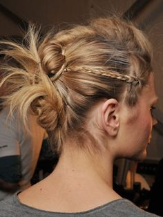 funky knot updo. i can't wait to do this again when my hair is longer.