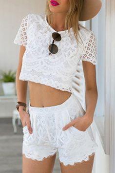Camisa corta blanco y Medio cintura Co-ord con ganchillo detalles de encaje