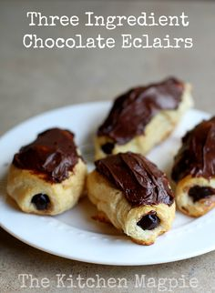 Three ingredient chocolate eclairs, perfect for a fun, fast snack with the kids that they can help make! | From @kitchenmagpie