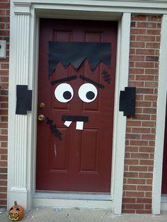 Fun DIY Halloween Door Deco!