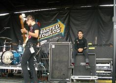 Pete's just like... Oh my gosh that's so pretty. Like look at his face he looks awed.<<<<<PETEKEY!!!!!!