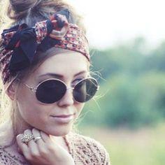 Sixties mood, boho chic, preppy girl o rockabilly style: qual è il tuo modo preferito di portare la fascia per capelli? Con i raccolti...