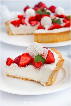 Tarta Rafaello z truskawkami - I Love Bake Anko, Strawberry Tea, Tea Sandwiches, Afternoon Tea, Tea Time, Cake Decorating, Cheesecake, Food And Drink, Cooking Recipes