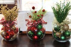 Centro de mesa de Navidad Set de cuatro por GlitterGlassAndSass