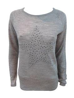 Jersey estrella  Jersey de mezcla de lana. Tejido ligero. Detalle de estrella en el frente y en los codos.