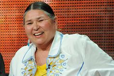 Sacheen Littlefeather is a Native American activist who donned Apache dress and presented a speech on behalf of actor Marlon Brando, for his. Native American Actors, Native American History, Native American Indians, Native Americans, Sacheen Littlefeather, Indian People, Marlon Brando, Women In History, First Nations
