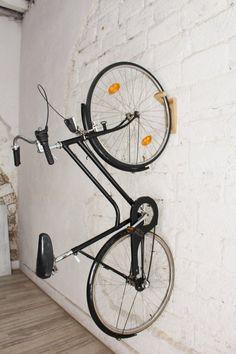 Tokyo wooden bike rack is a minimal wall hook that makes your life easy. Rack Velo, Rack Bike, Bike Hooks, Bike Hanger, Bike Storage Wood, Vertical Bike Storage, Storage Hooks, Garage Storage, Wall Storage