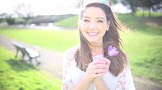 I can't get over how pretty Zoe Sugg is Joe And Zoe Sugg, Sugg Life, Tanya Burr, Shes Amazing, Zoella, Girly Pictures, Pinterest Photos, Celebs, Celebrities