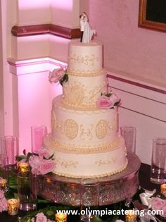 Round Wedding Cake, Gold Piped Details, Four Tiers