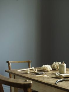 Photography by Emma Lee, Styling Louisa Grey Wall Colors, Paint Colors, Colours, Interior Styling, Interior Decorating, Interior Design, Room Inspiration, Interior Inspiration, Fired Earth