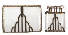Art Deco Cigarette Case and Lighter The Art Deco cigarette holder is a much in-demand collectible today. This Art Deco French gold cigarette case by Cartier Art Nouveau, Belle Epoque, Moda Art Deco, Art Decor, Decoration, Art Et Architecture, Vintage Cigarette Case, Design Movements, Art Deco Furniture