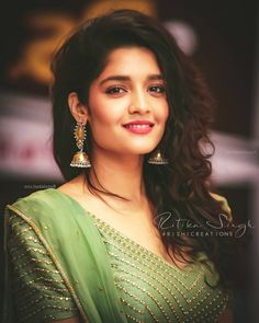 Beautiful Girl Image, Most Beautiful Women, Beautiful Gorgeous, Rithika Singh, Sai Pallavi Hd Images, Girls Cuts, Girl Attitude, Photography Poses Women, Beauty Full Girl