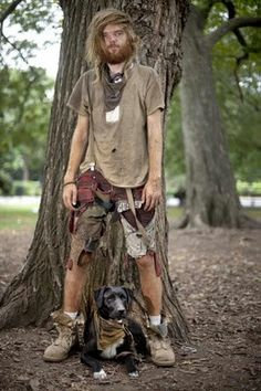 After the apocalypse: man with dog. Jordy Baan, Crust Punk, Hippie Culture, Apocalyptic Fashion, Homeless People, Post Apocalypse, Punk Rock, Larp, Diy Clothes