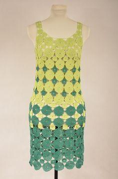 Szydełkowa sukienka - zielone kółka dostępna na www.MadeByMeKP.pl
