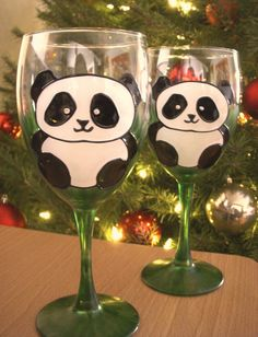 Hand Painted Panda bear Wine Glasses. The perfect gift for any panda lover! The will make a great birthday, christmas or just because gift.