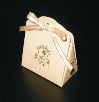 """shaping image of Gift Box Template Shape,Candy Packaging) / kleine """"Handtasche"""" Origami Box, Paper Crafts Origami, Box Templates Printable Free, Wrapping Ideas, Candy Packaging, Scrapbooking, Box Patterns, How To Make Box, Diy Box"""