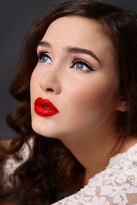 Wedding Makeup Contour Red Lips Ideas Hochzeit Make-up Contour Red Lips Ideen Pinup Girl Makeup, Pin Up Makeup, Red Lip Makeup, Girls Makeup, Party Makeup, Bridal Makeup, Wedding Makeup, Makeup Looks, Hair Makeup