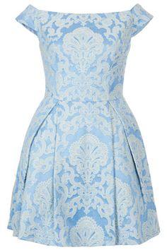 <3 this Topshop dress, wore it last weekend. Feel like a debutante/Marie Antoinette :)))
