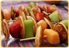 Recept voor Poffertjesspies met fruit (kinderversie) |Pinned from PinTo for iPad|