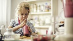 Everyone loves a good smoothie, and it is no wonder that they have grown in popularity over the years. Smoothies are fairly easy to make but there are a few things to remember that could help you o… Healthy Smoothies For Kids, Nutritious Smoothies, How To Make Smoothies, Good Smoothies, Fruit Smoothies, Nutritious Meals, Mozzarella Pearls, Scottish Salmon, School Routines