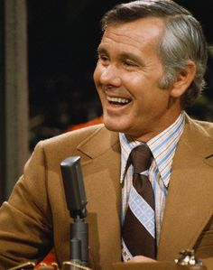 Johnny Carson - The Tonight Show. Why can't we still have people & shows like this anymore?