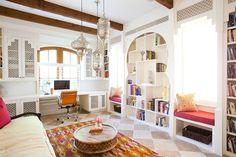Дизайн современного офиса: шкаф и люстры в средиземноморском стиле