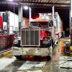 Peterbilt 379, Kenworth Trucks, Cool Trucks, Big Trucks, Truck Transport, Custom Big Rigs, Heavy Duty Trucks, Trucks And Girls, Diesel Trucks