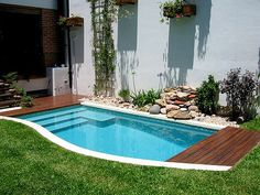 15 Cozy Swimming Pool Design Ideas for Your Home Backyard Area - Swimming Pool Tiles, Small Swimming Pools, Swimming Pools Backyard, Swimming Pool Designs, Lap Pools, Indoor Pools, Pool Decks, Pools For Small Yards, Backyard Pool Designs