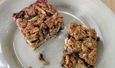 In this episode of Laura in the Kitchen Laura Vitale shows you how to make Granola Bars!