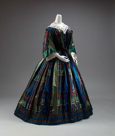 via The Costume Collection of The Metropolitan Museum of Art 1850s Fashion, Victorian Fashion, Vintage Fashion, Plaid Fashion, Antique Clothing, Historical Clothing, Vintage Gowns, Vintage Outfits, Scottish Dress