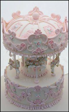 Carousel cake                                                                                                                                                                                 Mais