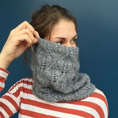 A lovely cowl covered with a beautiful leafing pattern.