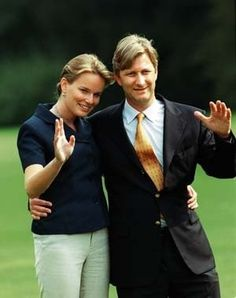 Crown Prince Philippe and Mathilde d'Udekem d'Acoz announce their engagement to the press in 1999