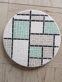 Mosaic Diy, Mosaic Crafts, Mosaic Projects, Marble Mosaic, Mosaic Patterns, Abstract Pattern, Mosaic Stepping Stones, Mosaic Artwork, Mosaic Pieces