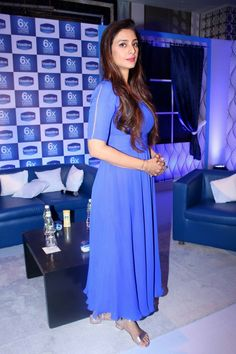 Bollywood actress Tabu Biography , hot and beautiful images. Tabu is India's most popular and hot actress. Indian Bollywood Actress, South Indian Actress, Beautiful Indian Actress, Popular Actresses, Hot Actresses, Indian Actresses, Raveena Tandon Hot, National Film Awards, Stylish Girl Images