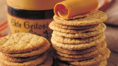 Havrekjeks - Oatbiscuits- and we love to have our brown cheese ontop. Brown norwegian cheese tastes almost like dulche de leche. Christmas Sweets, Christmas Baking, Christmas Cakes, Norwegian Food, Norwegian Recipes, Cheese Tasting, Scandinavian Food, Sweet Cookies, Small Cake