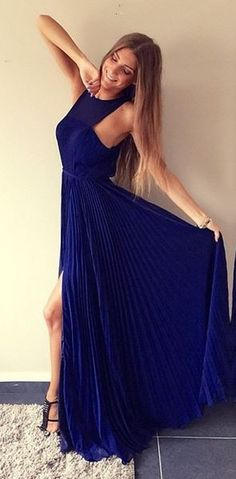 Get 10% off killer evening dresses at Fame and Partners with code STUDENTSHOUTOUT
