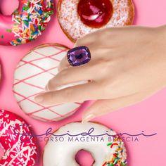 dolcissima tentazioni 🍩 #jewellery #madeinitaly #hand #bresciacentro #brescia #ring #silver #pink #purple #ametista #fashion #picoftheday (da420€)