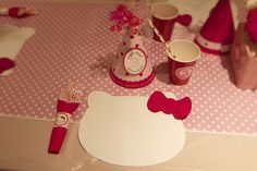 Hello Kitty Birthday Party - cute table idea - maybe kids could decorate